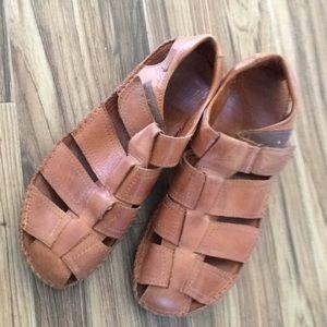 Pikolinos Closed Toe Fisherman Sandals for Men